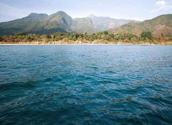 озеро с пресной водой Танганьике