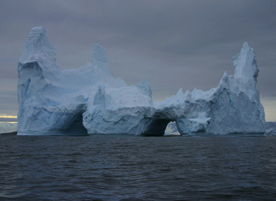пресная вода в Айсберге.