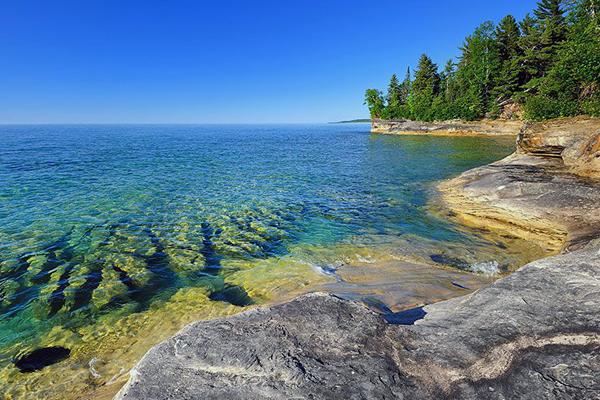 Верхнее озеро Канада